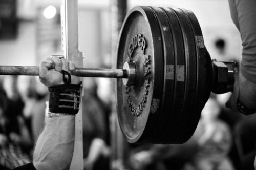 Training To Put On Muscle and Training To Get Strong – Whats The Difference?